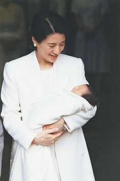 Crown Princess with daughter Aiko 列外派星くず日記 Aiko, Baghdad, Emperor, Royalty, Cute, Women Lawyer, Japanese Yen, Beautiful, Models