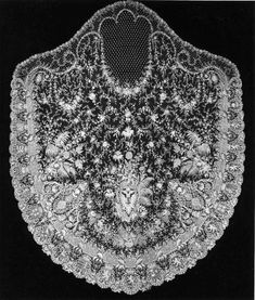 Hapsburg Imperial Bridal Veil, one of 137 million artifacts, works of art and specimens in the Smithsonian's collection. It is currently on display at the National Museum of American History Antique Lace, Vintage Lace, Vintage Music, Rose Shabby Chic, Vintage Outfits, Vintage Fashion, Princess Stephanie, Lace Veils, Lacemaking