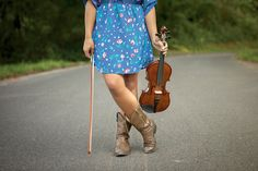 Photo shoot with violin. Love the outfit with violin.