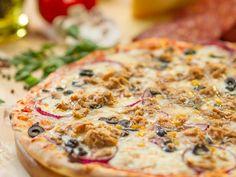 Tunfisch Pizza  Leckere Pizza auf Quark Öl Teig - die vielleicht schnellste Pizza der Welt :-)   http://einfach-schnell-gesund-kochen.de/tunfisch-pizza/