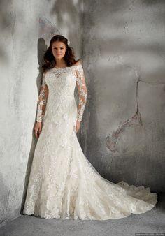 c817e90bac6d 30 abiti da sposa per taglie comode  lusso ed eleganza per la moda curvy  2019
