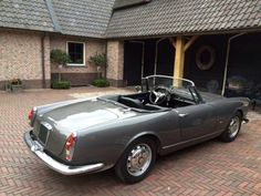 Alfa Romeo 2600 Touring spider SOLD (1964)