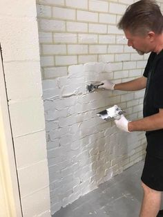 how to make Faux Brick Walls with tape paint and joint compound DIY super cool wall Faux Brick Walls Fake Brick Wall, Brick Wall Decor, Brick Wall Paneling, Painted Brick Walls, Faux Walls, White Brick Walls, Faux Brick Wall Panels, Diy Wand, Faux Murs