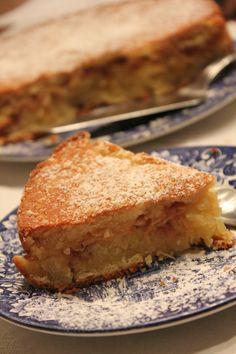 omena-kanelikakku Finnish Recipes, Funny Cake, Sweet Bakery, Savoury Baking, Pastry Cake, Gluten Free Baking, No Bake Desserts, Let Them Eat Cake, Cake Cookies