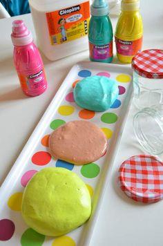 recette diy pour fabriquer du crunchy slime avec des billes de polystyr ne activit. Black Bedroom Furniture Sets. Home Design Ideas