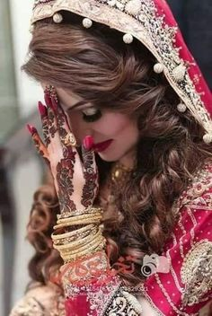 Pakistani Bridal Hairstyles, Pakistani Bridal Makeup, Pakistani Bridal Dresses, Bridal Mehndi, Indian Bridal, Bridal Lehenga, Pakistani Lehenga, Pakistani Couture, Wedding Hairstyles