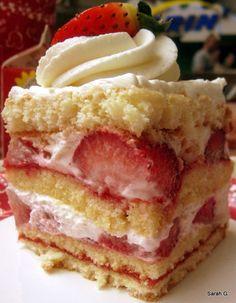 Strawberry Shortcake at Sunshine Seasons in Epcot!