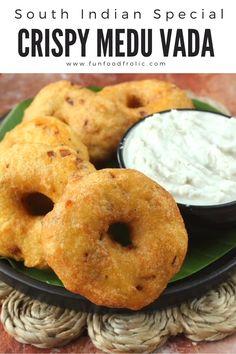 South Indian Breakfast Recipes, Indian Dessert Recipes, Spicy Recipes, Cooking Recipes, Snacks Recipes, Chaat Recipe, Medu Vada Recipe, Vegetarian Snacks, Food Videos