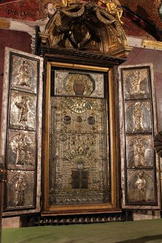 """The """"Sancta Sanctorum"""", the private chapel of early Popes at the Lateran Palace (Rome). In early Middle Ages, the image of Christ, called """"achiropita"""" (not made by human hands), was often carried in procession to save Rome from evils. The silver frame was built to protect the relic from wear, but the original icon has been largely replaced due of its deterioration."""