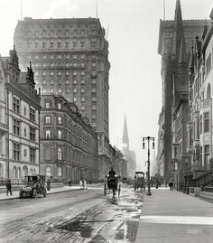 """lostsplendor: """"On the Avenue: Manhattan, 1905 (via Shorpy Historical Photo Archive) """"Looking south along Fifth Avenue and East 56th Street"""" """""""