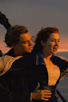 """Titanic: So hätte Leo überlebt Titanic: How Leo would have survived Three young math geniuses did the math: Jack could have been saved in """"Titanic"""" Sad Movies, Iconic Movies, Great Movies, Disney Movies, Film Titanic, Titanic Poster, Titanic Art, Titanic Quotes, Best Romantic Movies"""