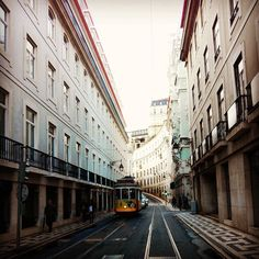 Viagens na Minha Terra #lisboa #portugal #lisboalive #lisbon #igersportugal #lisbonlovers #portugalcomefeitos #lisboapt #p3top #portugaldenorteasul #super_portugal #igerslisboa #wu_portugal #ig_portugal #igers #igworldclub #instadaily #portugal_de_sonho #vsco #amar_portugal #portugaloteuolhar #lisboa_pt #visitlisbon #lisbona #ig_lisboa #instalisbon #visitportugal #loveit #instalisboa #love