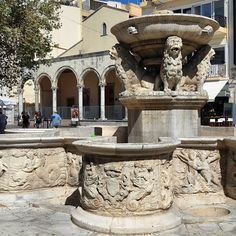 Lions Square , Heraklion Photo credits: @zverolen