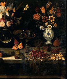 MAÎTRE DE LA NATURE MORTE DE HARTFORD (actif à Rome vers 1600) Nature morte au vase de fleurs, plat de figues, poires, pêches, fraises des bois, champignons Huile sur toile.