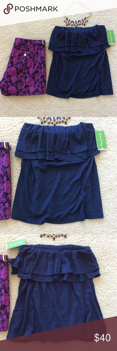 "Lilly Pulitzer Rilo Tube Top Lilly Pulitzer Rilo Tube Top in True Navy. A summertime staple💜 Double flounce tube top. Laying flat approx 19"" long, approx 12"" pit to pit unstretched. Elastic band at the top allows for a nice bit of stretch. 50 co50 modal. Size S. NWT, never worn. #887 Lilly Pulitzer Tops"
