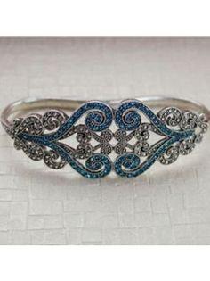 Rhinestone Flower Palm Bracelet. Love it!