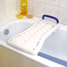 Badewannenbrett Basic: Das Badewannenbrett wird mit den Gummifüssen am Wannenrand fixiert und bietet so eine sichere Siztfläche bei der Körperflege.