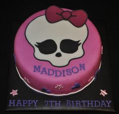 Monster High Cake by on Cake Central Happy 7th Birthday, Birthday Cake Girls, Birthday Cakes, Birthday Ideas, Monster High Cakes, Monster High Birthday, Monster High Party Supplies, Easy Minecraft Cake, Sweet 16 Cakes