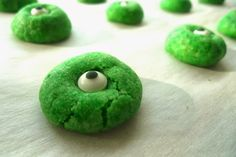 Monster eyeball cookies