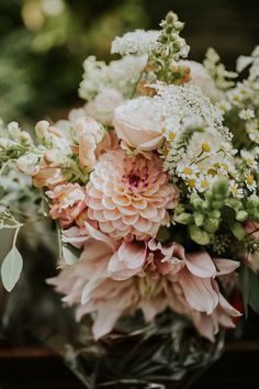 Bouquet Flowers Bride Bridal Dahlias Rose Daisy Pink Beautiful Classic English Countryside Wedding j Country Wedding Flowers, Wedding Flower Guide, Cheap Wedding Flowers, Bridal Flowers, Flower Bouquet Wedding, Floral Wedding, Daisy Flowers, Bridal Bouquets, August Wedding Flowers