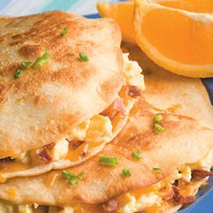 Going to definately try these because my family has always loved my grilled chicken quesadillas. Egg and Bacon Quesadillas What's For Breakfast, Breakfast Dishes, Breakfast Recipes, Bacon Breakfast, Breakfast Quesadilla, Breakfast Pastries, Breakfast Sandwiches, Burritos, Crepes