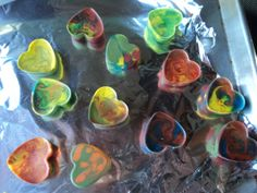 Crayon hearts! What a cute way for kids to help with favors.