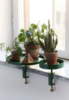 Clamp tray by Swedish company Navet. You can use the gorgeous clamp tray for green plants or display Indoor Garden, Indoor Plants, Home And Garden, Potted Plants, Deco Floral, Green Plants, Houseplants, Decoration, Interior Inspiration