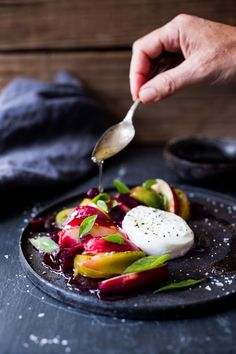 Nectarine Salad with Burrata and Basil Nectarine Salad, Burrata Salad, Burrata Cheese, Caprese Salad, Burrata Recipe, Beet Salad, Healthy Salad Recipes, Whole Food Recipes, Cooking Recipes