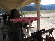 insolite fusil hello kitty rose