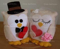 Topo de bolo de corujinhas, confeccionado em feltro. Personalizado nas cores que o cliente desejar.