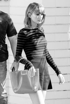 Taylor Swift and Brandy Melville Emilia Skirt Link Estilo Taylor Swift, Taylor Swift Web, Taylor Swift Style, Taylor Swift Pictures, Taylor Alison Swift, Ethel Kennedy, Autumn Winter Fashion, Going Out, Celebrity Style