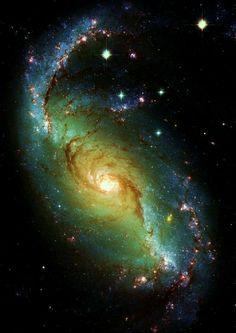 Universe 1565 NGC 1672 Spiral Galaxy.