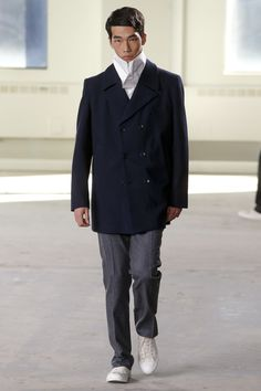 The complete Duckie Brown Fall 2016 Menswear fashion show now on Vogue Runway. Mens Fashion Week, Fashion Show, Fashion Fashion, Men's Collection, Fall 2016, Gq, Fall Winter, Autumn, Suit Jacket