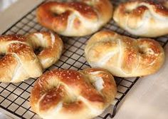 The most delicios pretzels and so easy to make!