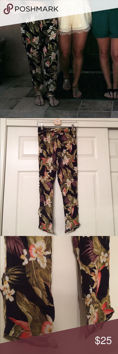 "Billabong Tropical Pants - Small Super cute tropical pants by billabong! They are semi high waisted so pairs perfect with a crop top. Can be worn with flats, wedges or chunky heels to dress up. Very comfy! I would suggest these will fit length wise 5'1"" and shorter. Billabong Pants"