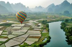 Vergezicht Karstgebergte - foto gemaakt in Guangxi en Guizhou, China