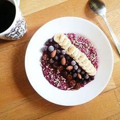 banaani-maapähkinämuffinsit porukoille kahvipöytään!!! ja kuva väärä kun ei aukassu oikeeta :D