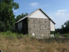 The Sarah Patterson farm. Surgeon Justin Dwinell of the Second Corps wrote the… Stone Barns, Stone Houses, Hospital Series, Sarah Patterson, Gettysburg Battlefield, Harpers Ferry, Civil War Photos, Farms Living, Old Barns