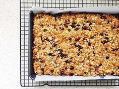My kids love store bought muesli bars, but it has to be said, they're an expensive lunch box addition when you have three kids at school five days a week. Recipe Using Muesli, Healthy Muesli Bar Recipe, Homemade Muesli Bars, Healthy Bars, Healthy Baking, Healthy Slices, Healthy Food, Museli Bar Recipe, Muesli Slice
