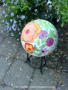 From Bowling Balls to Garden Art | Spittin Toad: From Bowling Balls to Garden Art