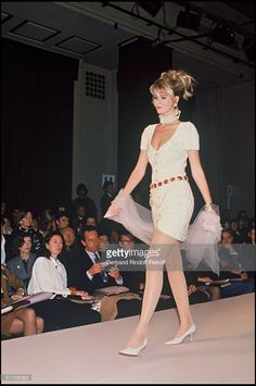 Claudia Schiffer parades for Chanel, spring summer 1991 collection.