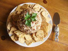 25 Days of Holiday Delights: Christmas Cheeseball ~ Lulu the Baker