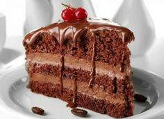 Try this recipe and share your thoughts 🎂 Sweet and Tasty Chocolate Cake Ingredients: 2 cups white sugar, 1 ¾ cups all-purpose flour, ¾ cup unsweetened cocoa powder, 1 ½ tsp baking powder, 1 ½ tsp. Costco Chocolate Cake, Tasty Chocolate Cake, Dark Chocolate Cakes, Melting Chocolate, Costco Cake, Sweet Recipes, Cake Recipes, Delicious Recipes, Chocolates