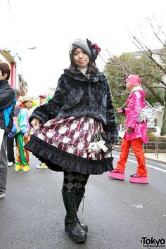 Harajuku Fashion Walk #8  http://tokyofashion.com/harajuku-fashion-walk-8-pictures-video-street-snaps/