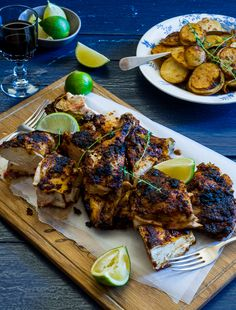 I would like to think that this home made Peri Peri Chicken version trumps many of the fast food and restaurant versions out there. Vegan Quesadilla, Banting Diet, Banting Recipes, Lchf, Crispy Chicken, Tandoori Chicken, Quesadillas, Tortillas, South African Recipes
