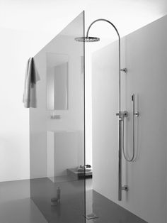 minimalist bathroom design ideas walk-in shower Source by nilsbrauckmann Minimalist Bathroom, Modern Bathroom, Small Bathroom, White Bathrooms, Modern Shower, Luxury Bathrooms, Master Bathrooms, Dream Bathrooms, Bad Inspiration