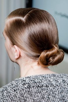 10 Different Ways to Style a Bun