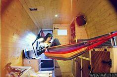 Wooden interior campervan with hammock to relax in. Great space saving idea to make your van conversion comfortable and homely. Mini Vans, Surf Bus, Van Hippie, Hippie Life, Transformers, Converted Vans, Monospace, Vanz, Van Home
