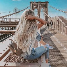 Hair Care Tips. Creative ideas regarding great looking hair. Your hair is certainly just what can define you as a man or woman. To most men and women it is definitely vital to have a fantastic hairstyle. Pretty Hairstyles, Easy Hairstyles, Girl Hairstyles, Hairstyle Ideas, Style Hairstyle, Aesthetic Hair, Summer Aesthetic, Blonde Hair Looks, Long Blond Hair