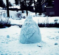 Ice King Snow Sculpture. Oh my glob. This is the best thing ever.